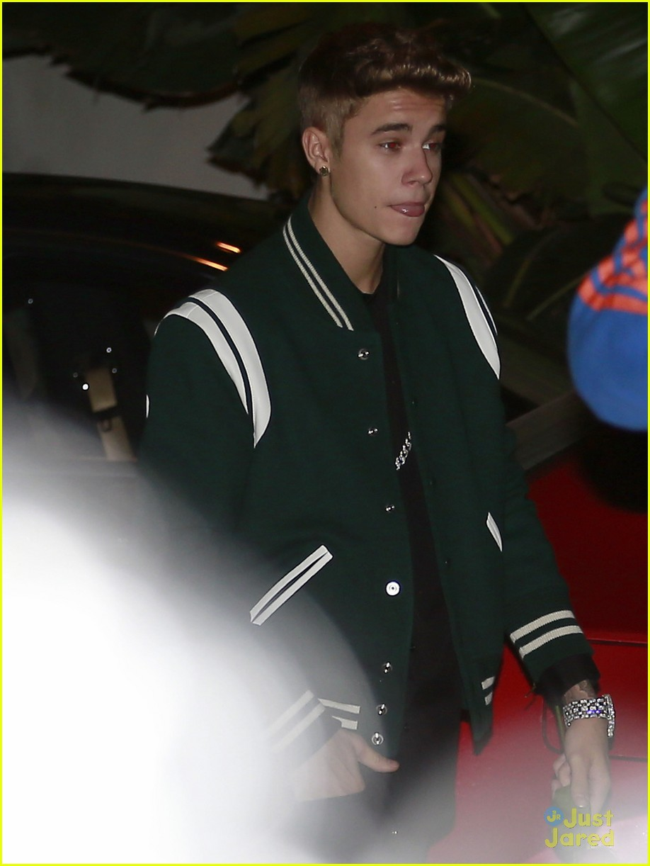 justin bieber attends selena gomez sbirthday party 06