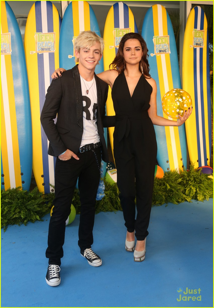 ross lynch maia mitchell teen beach movie screening 03