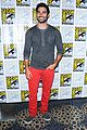 tyler posey tw fan event after engagement 12