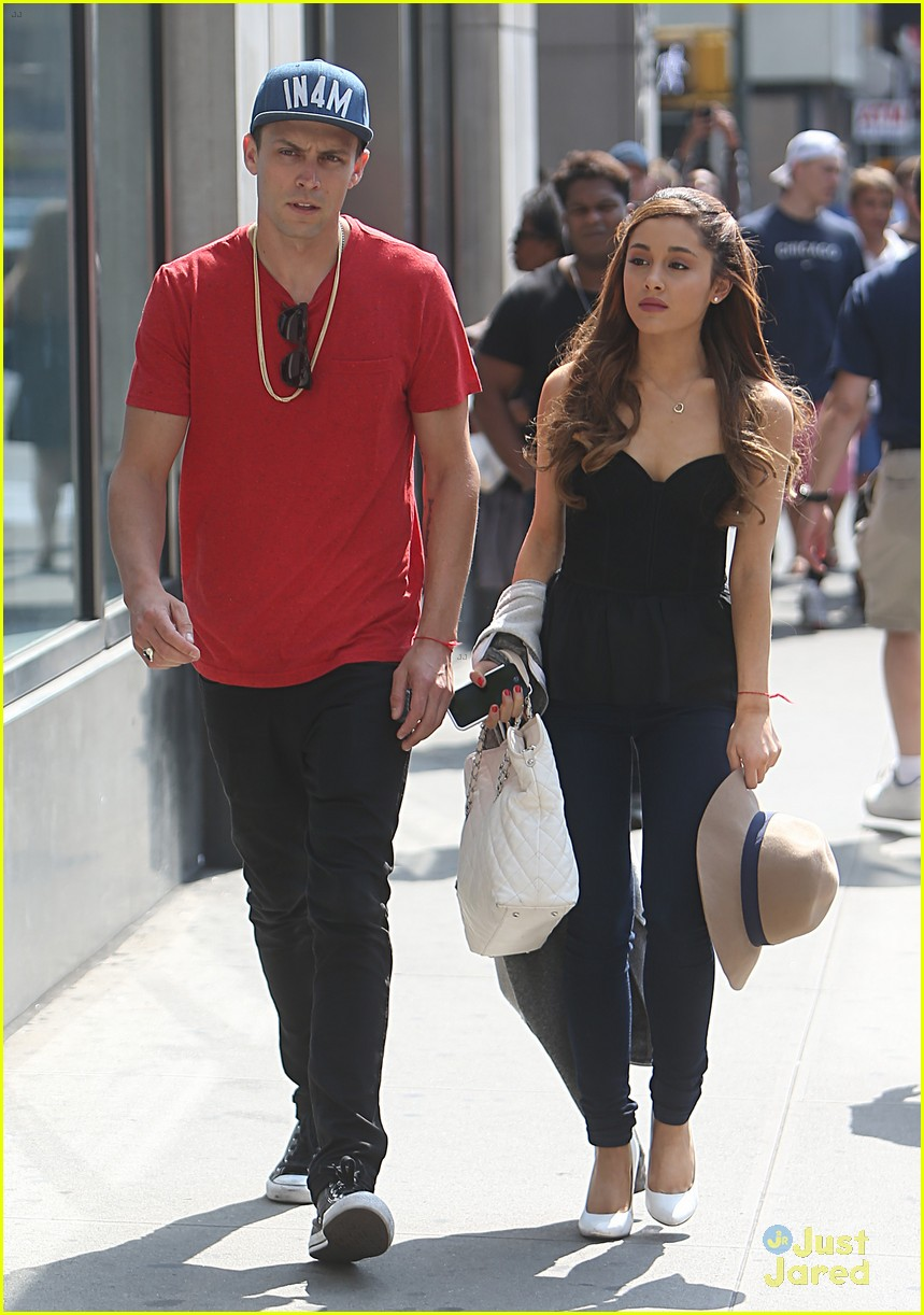 ariana grande nyc lunch with mystery guy 04