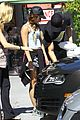vanessa hudgens austin butler lunch couple 21