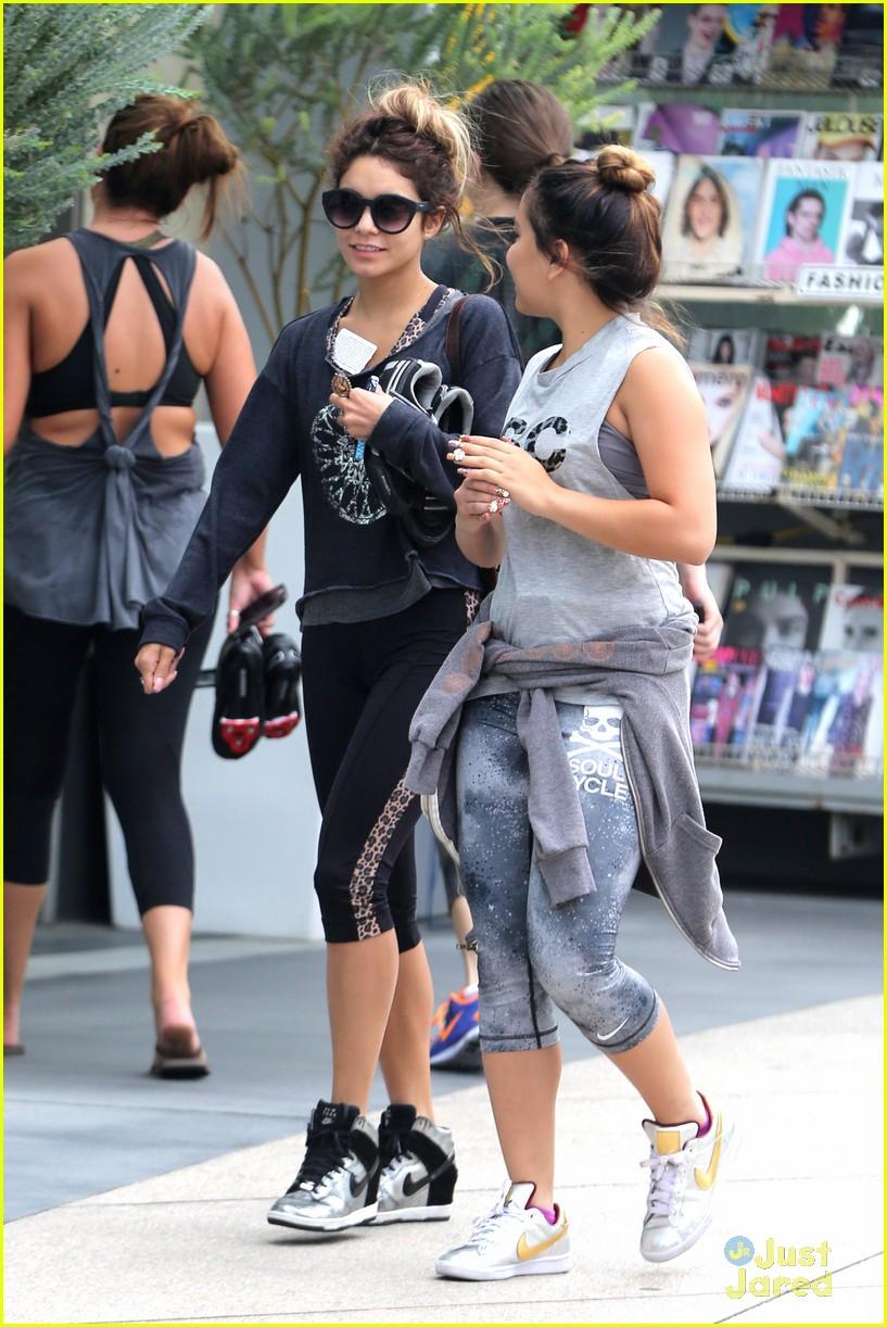 Hot Vanessa, Stella Hudgens Ashley Tisdale