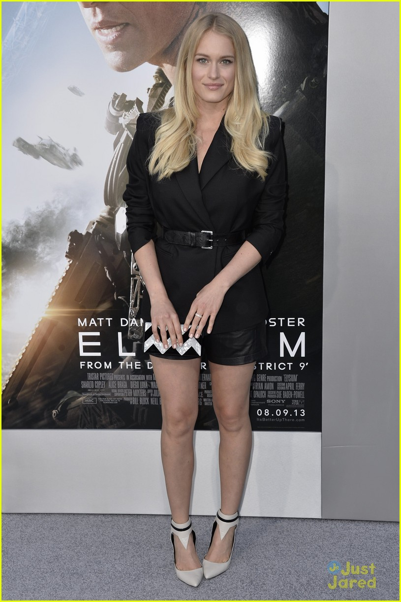 leven rambin emily osment elysium premiere 06