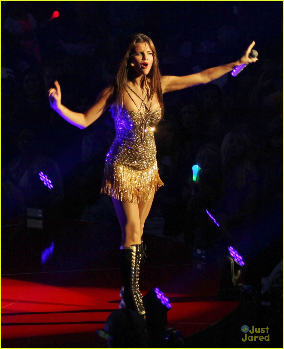 selena gomez stars dance tour kick off pics 11