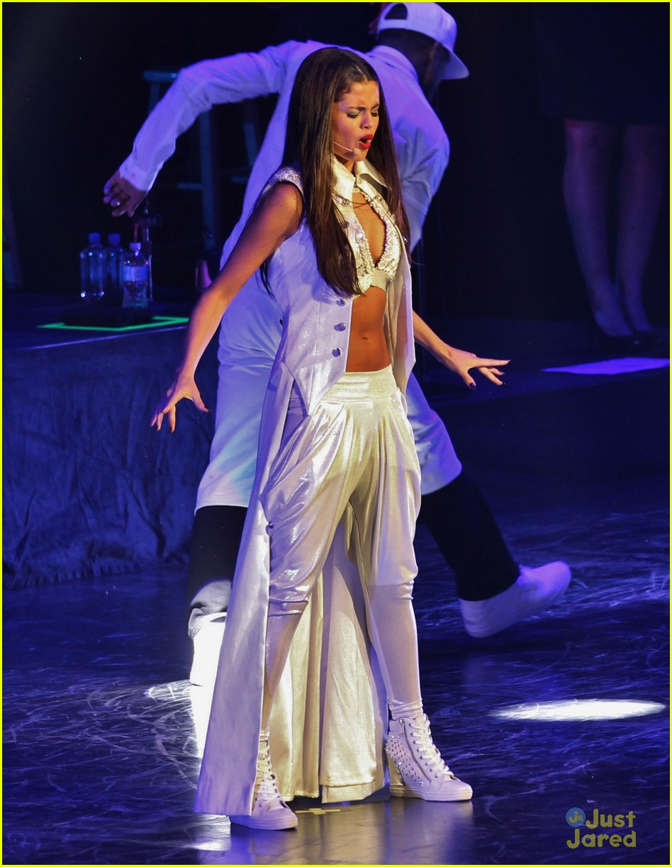 selena gomez stars dance tour kick off pics 17
