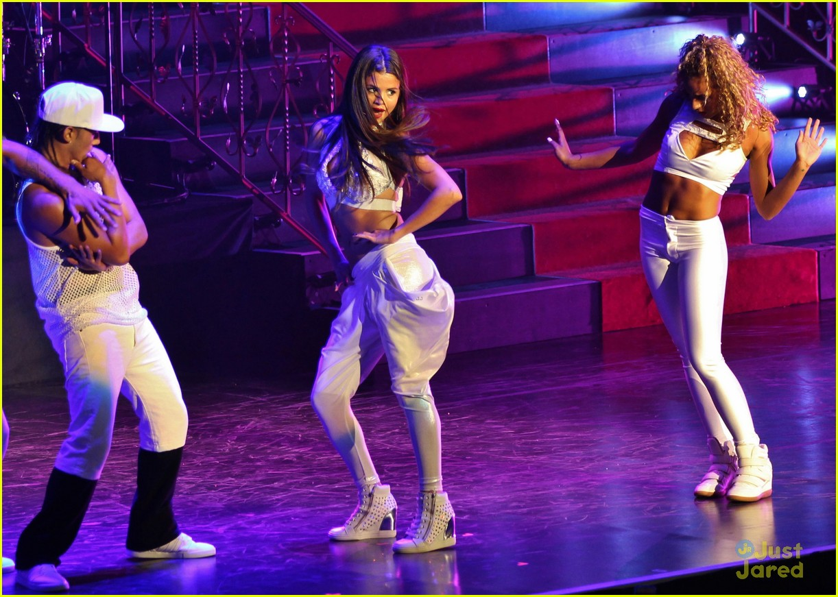 selena gomez stars dance tour kick off pics 21