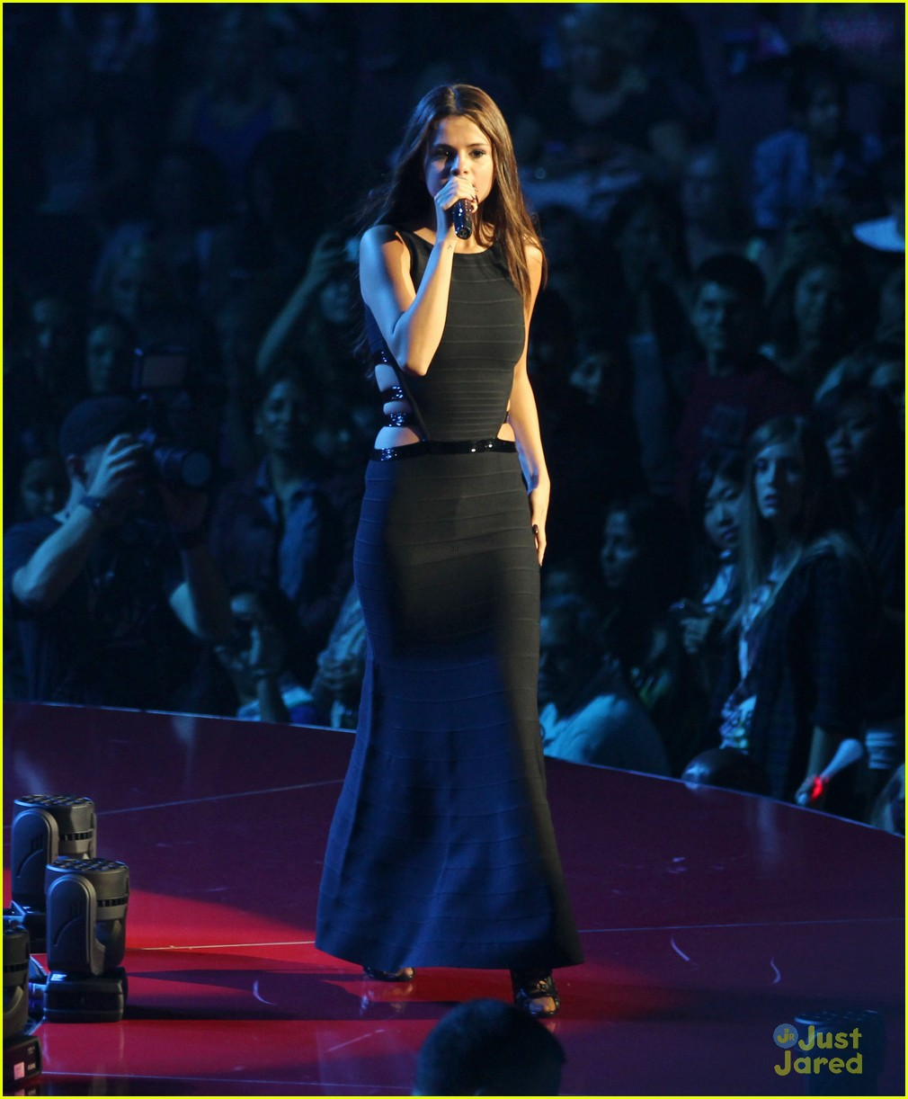 selena gomez stars dance tour kick off pics 35