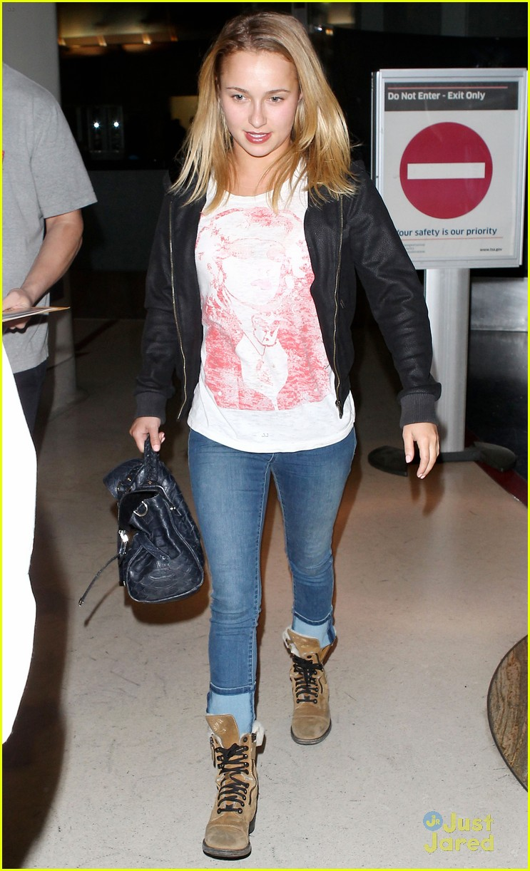 hayden panettiere lax airport arrival 03
