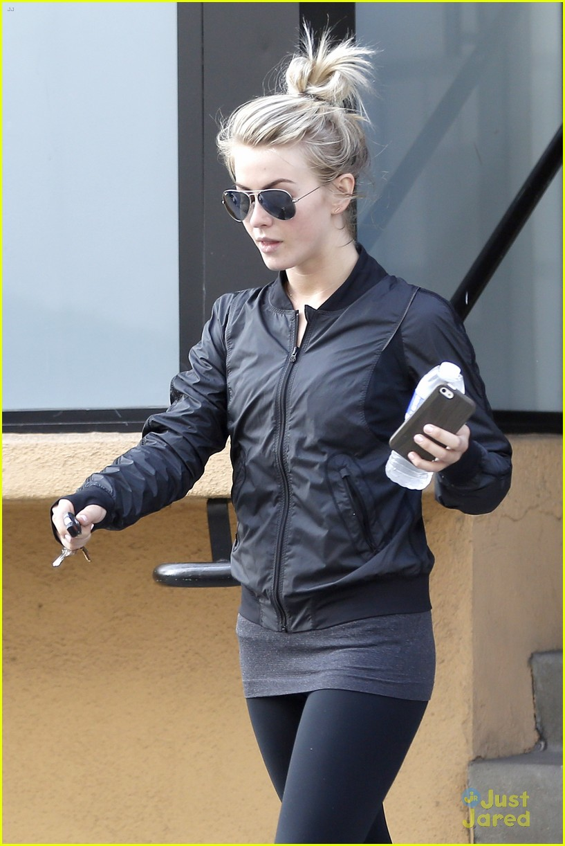 julianne hough hits the gym before dance studio stop 14