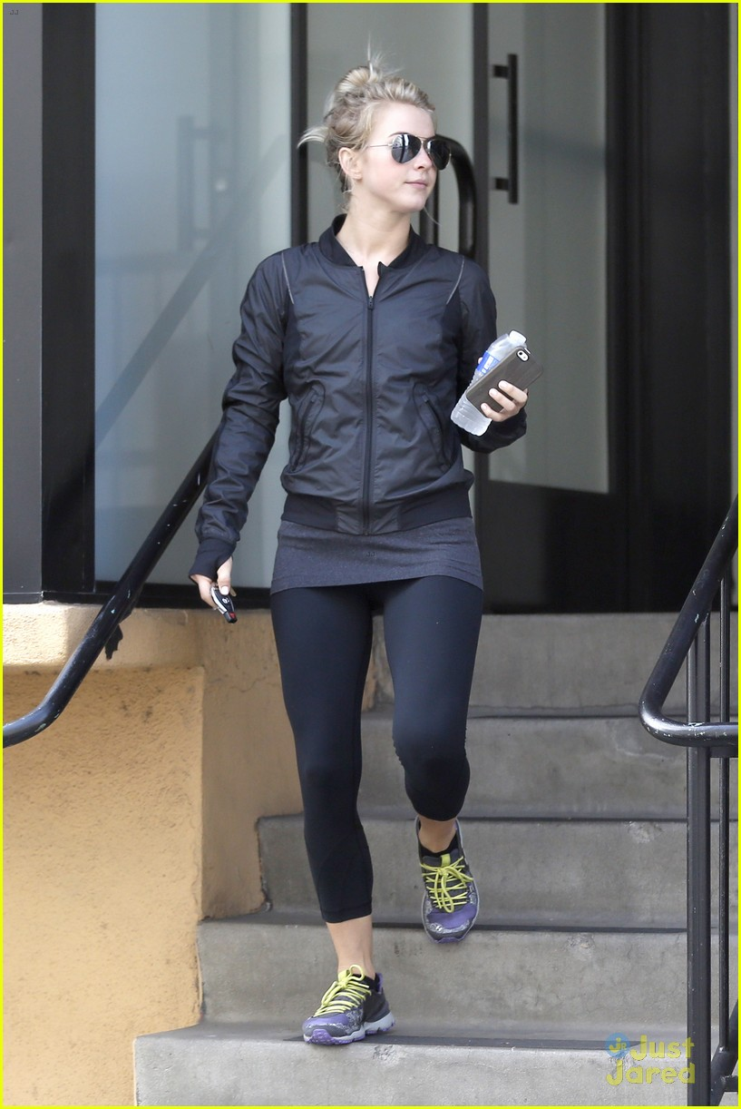 julianne hough hits the gym before dance studio stop 15