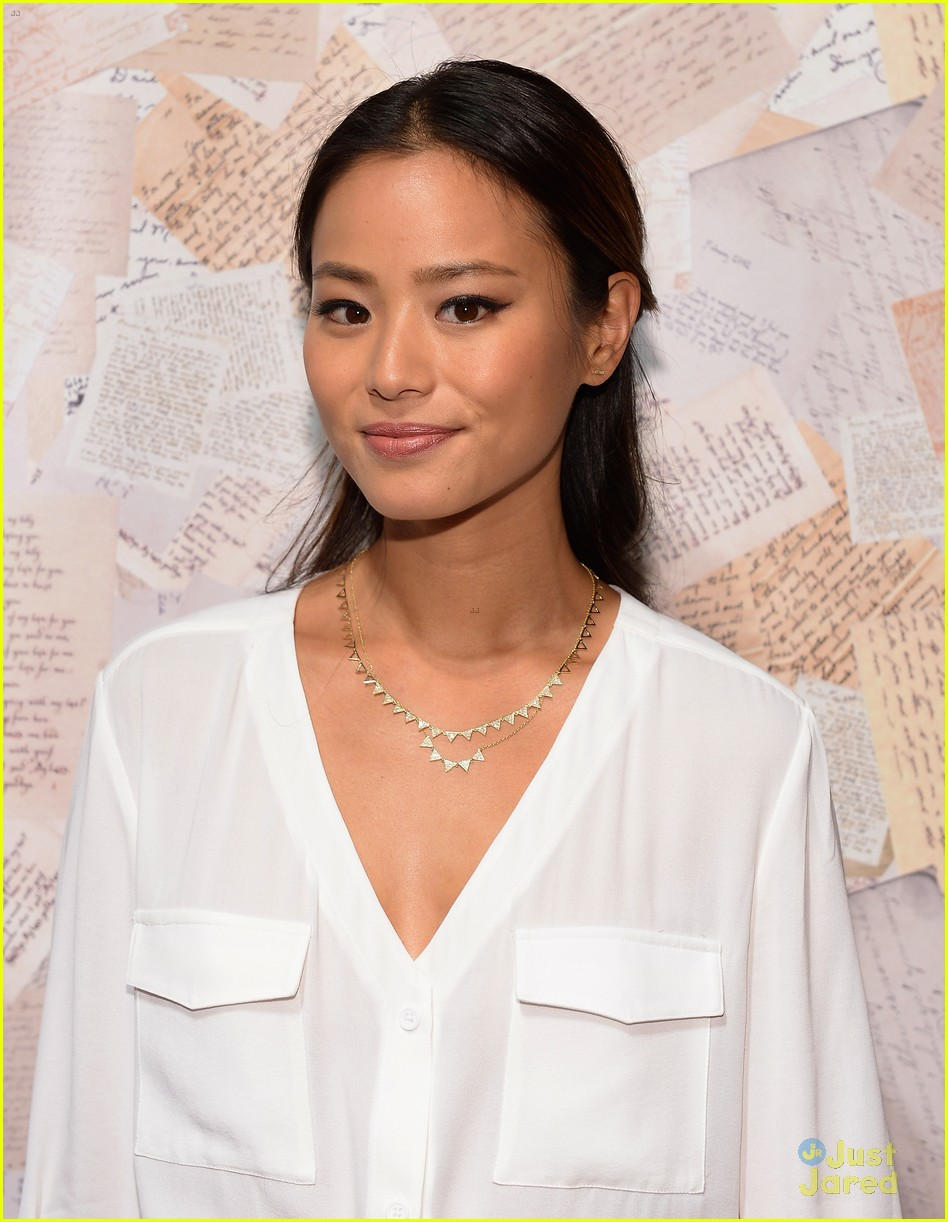 jamie chung kat graham alice olivia fashion show 08