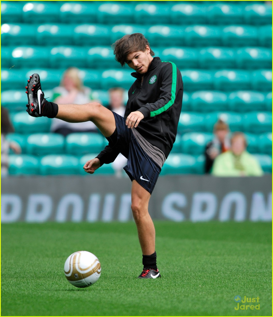 louis tomlinson charity football match 04