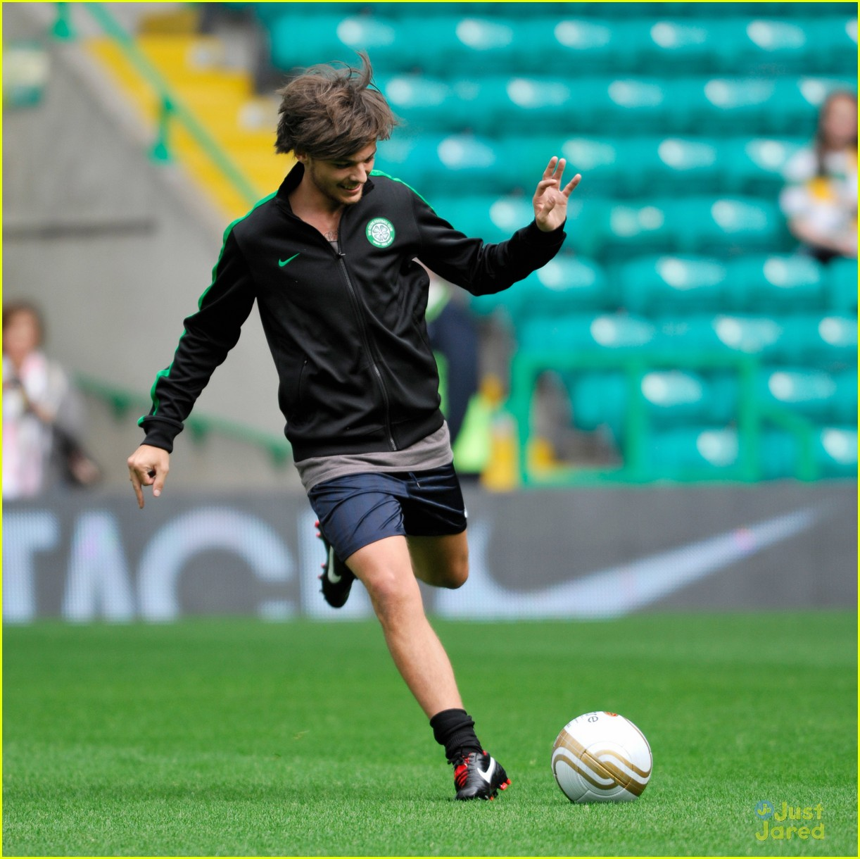 louis tomlinson charity football match 21