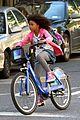 quvenzhane wallis annie bike ride 03