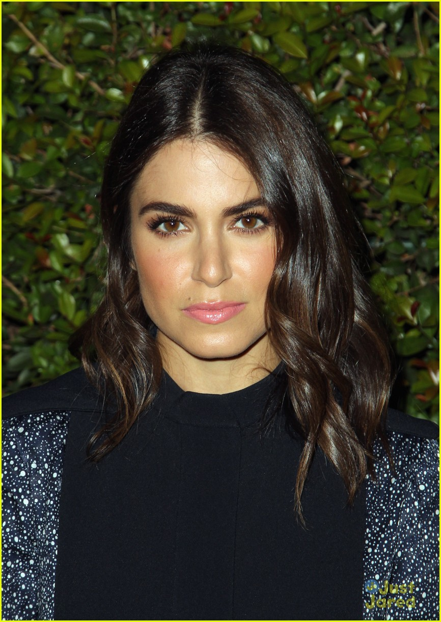 nikki reed chord overstreet chloe fashion show dinner 02
