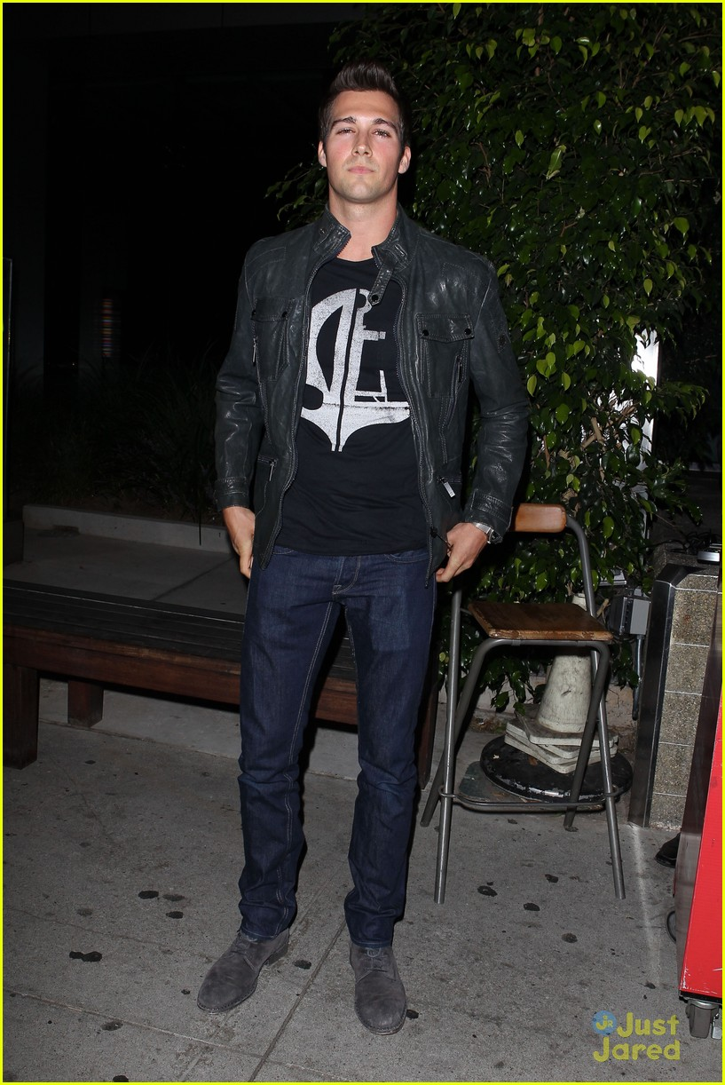 james maslow boa dinner after sydney trip 07