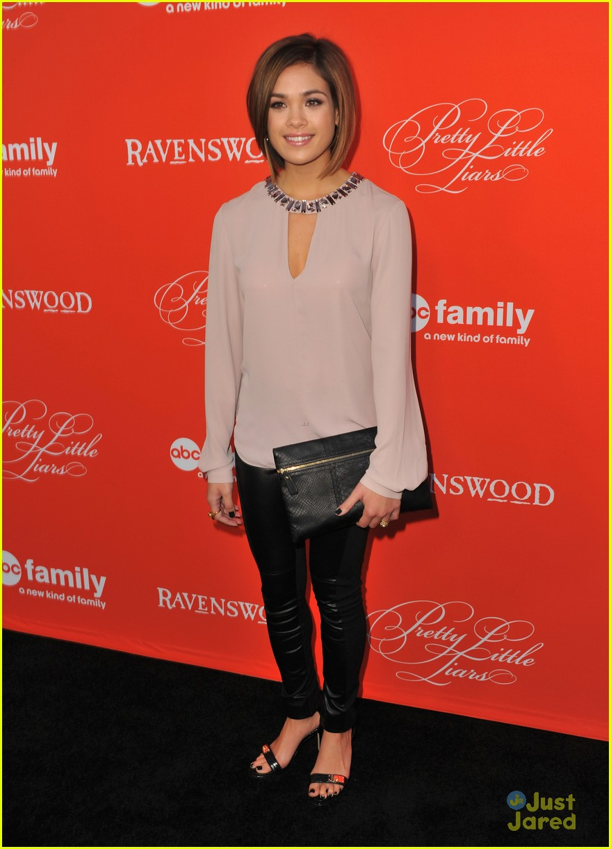nicole anderson ashley benson pll halloween screening 16