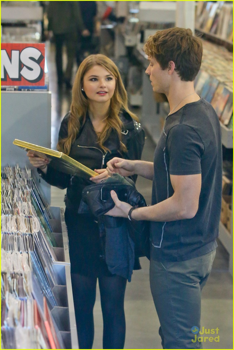 stefanie scott spencer sutherland amoeba music 13