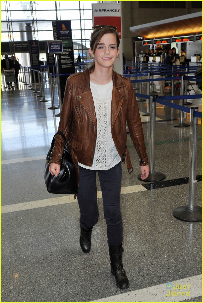 emma watson lax airport departure 07