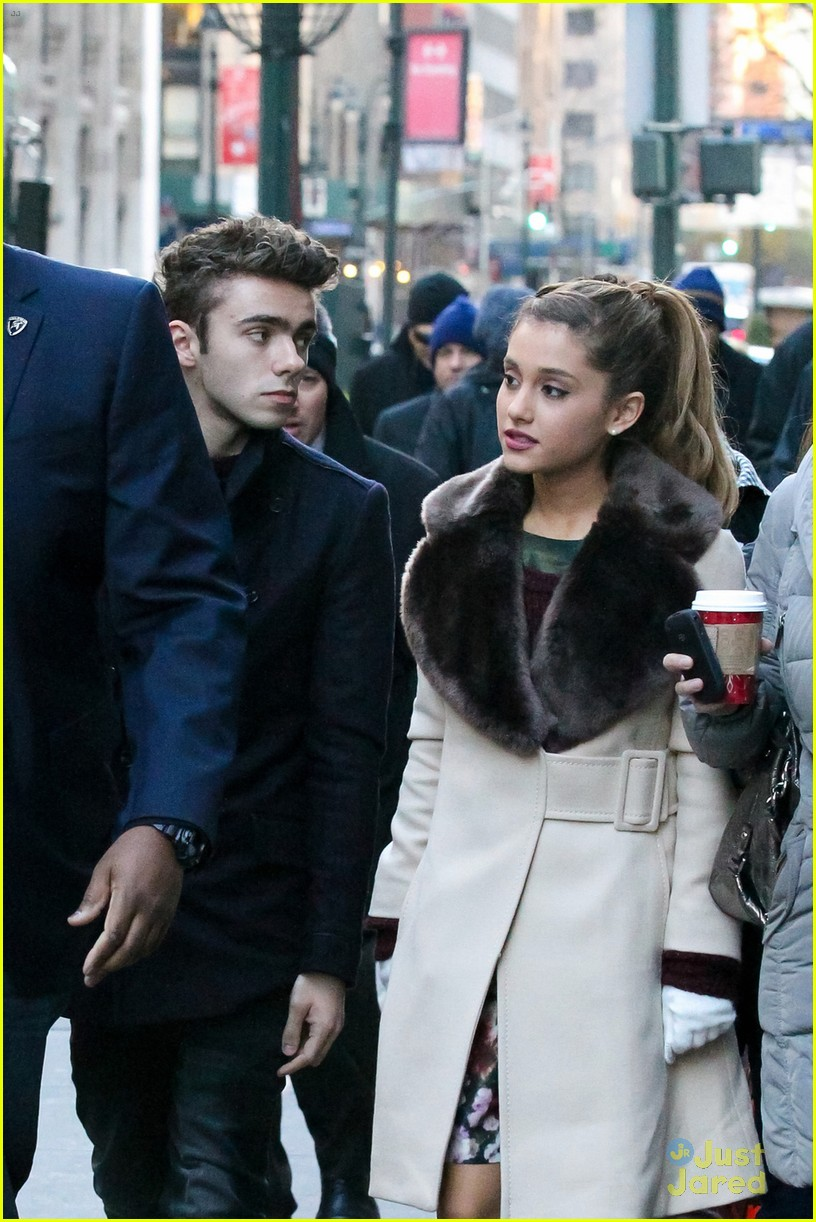 ariana grande nathan sykes bundle up in nyc 02