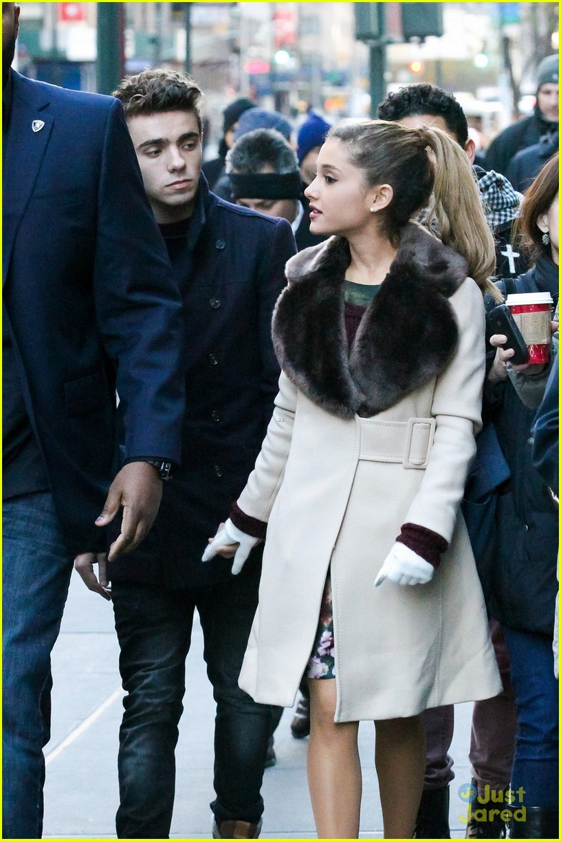 ariana grande nathan sykes bundle up in nyc 04