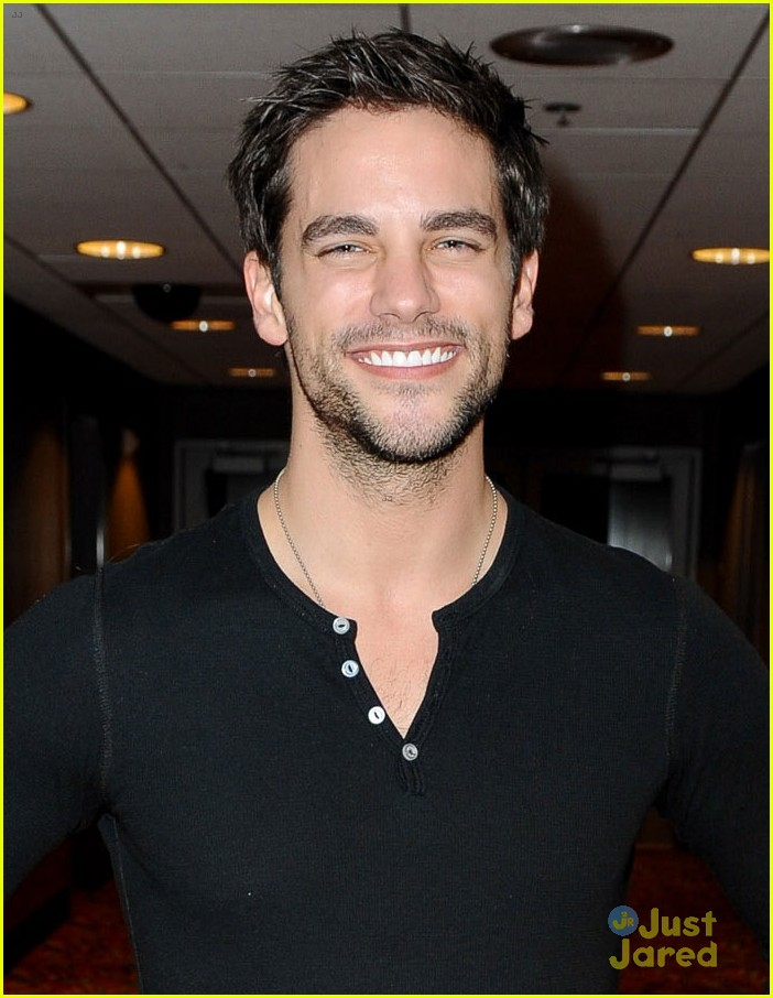 brant daugherty starving games meet greet 04