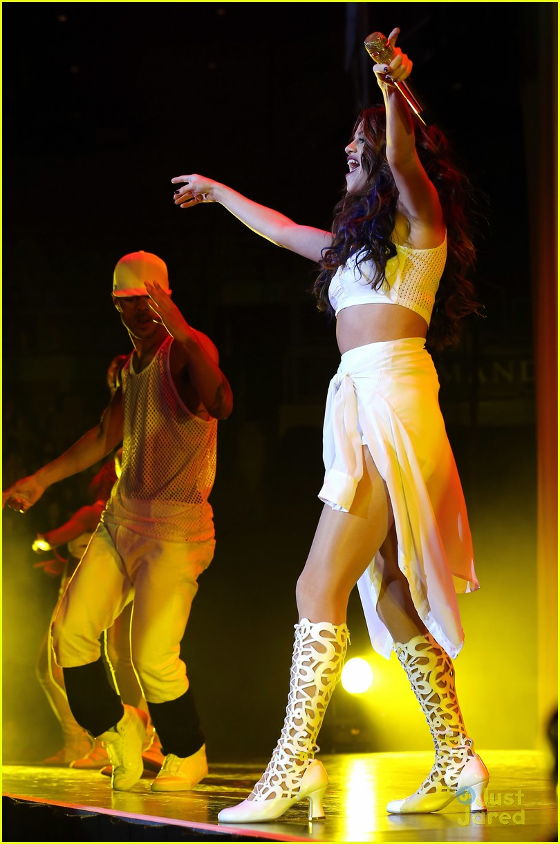 selena gomez stars dance tour vegas 14