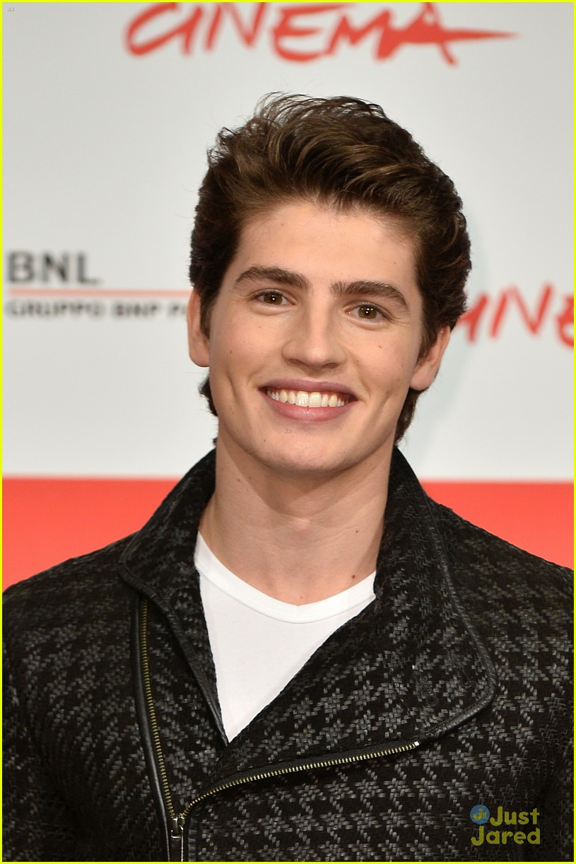 gregg sulkin sophie turner another me rome call conf 21