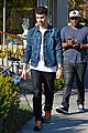 joe jonas lemonade cafe lunch 08
