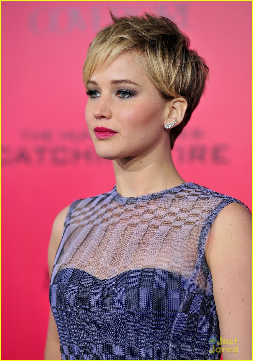 Jennifer lawrence hair catching fire