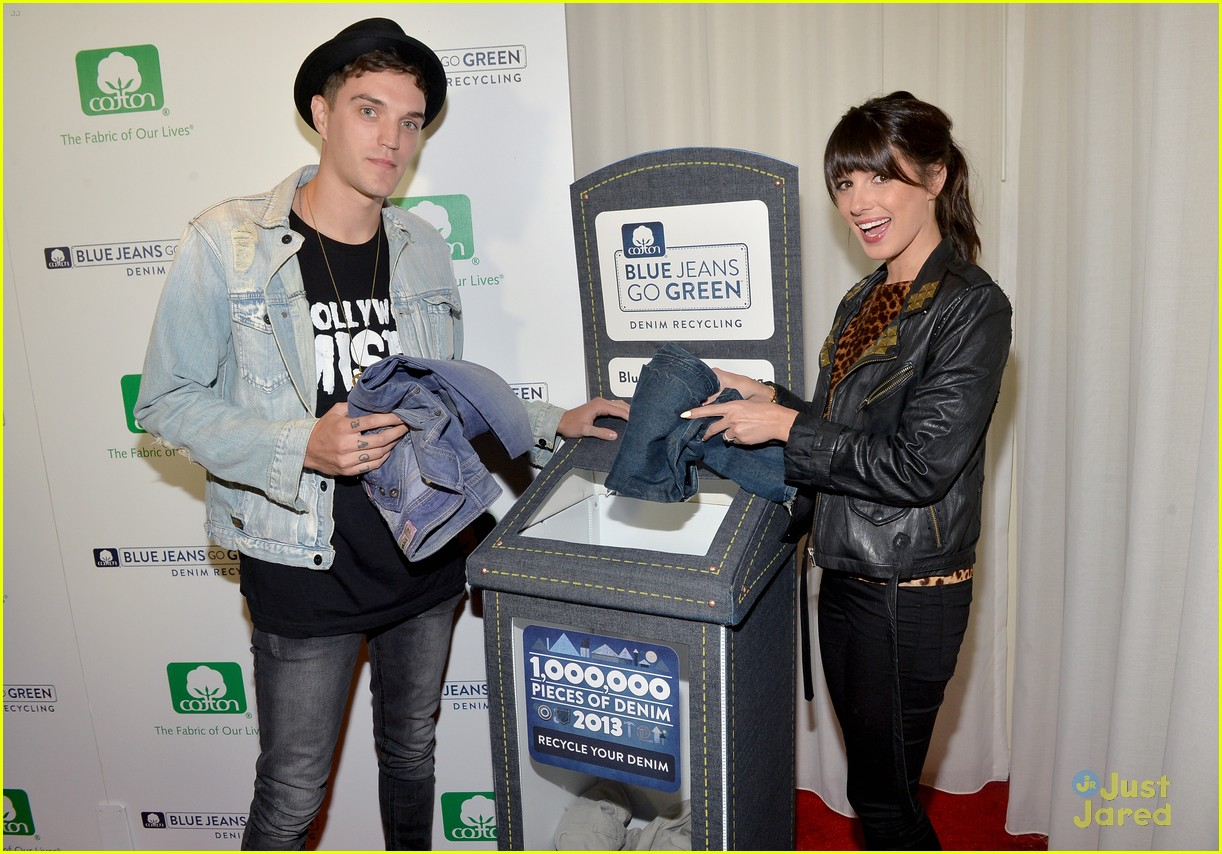 nikki reed shenae grimes cassie scerbo jeans event 09