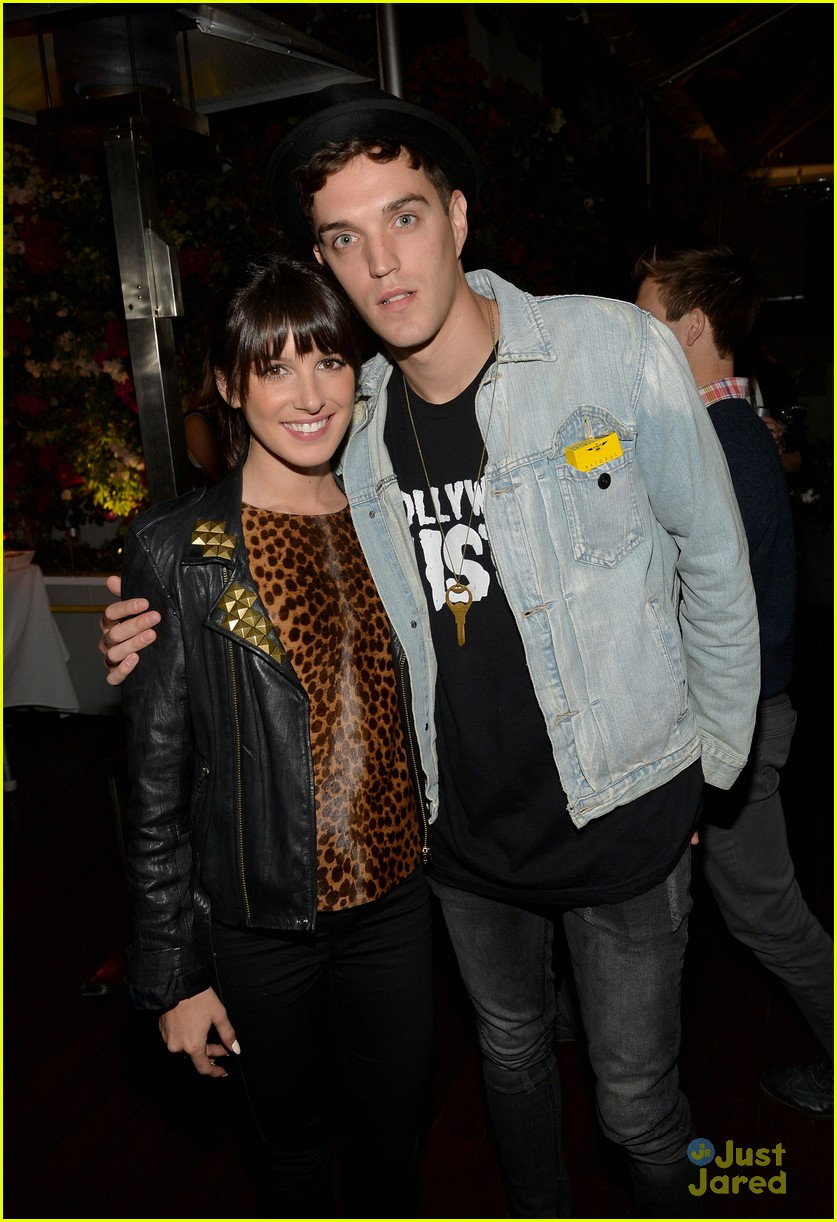 nikki reed shenae grimes cassie scerbo jeans event 16