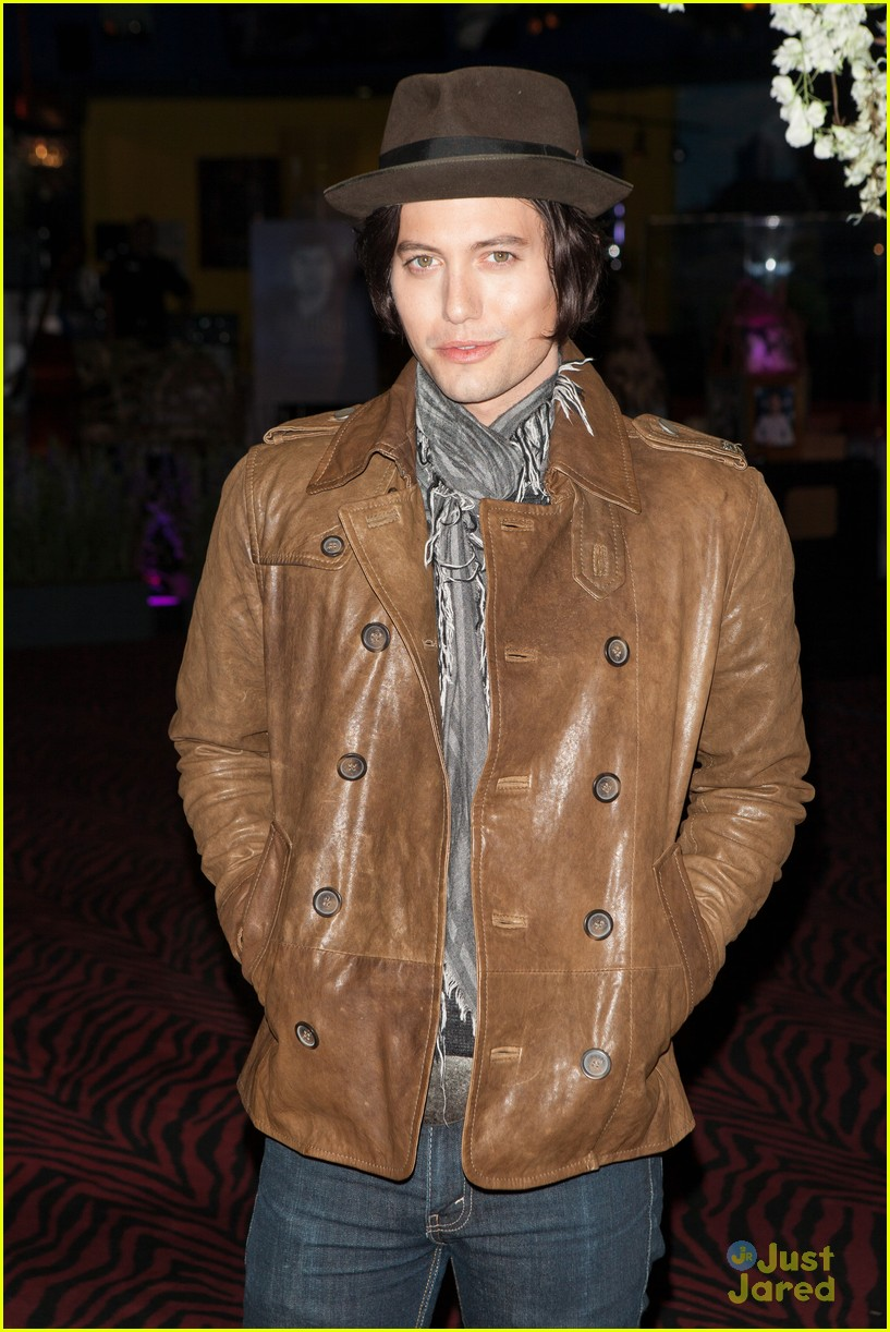 nikki reed jackson rathbone twilight forever 05