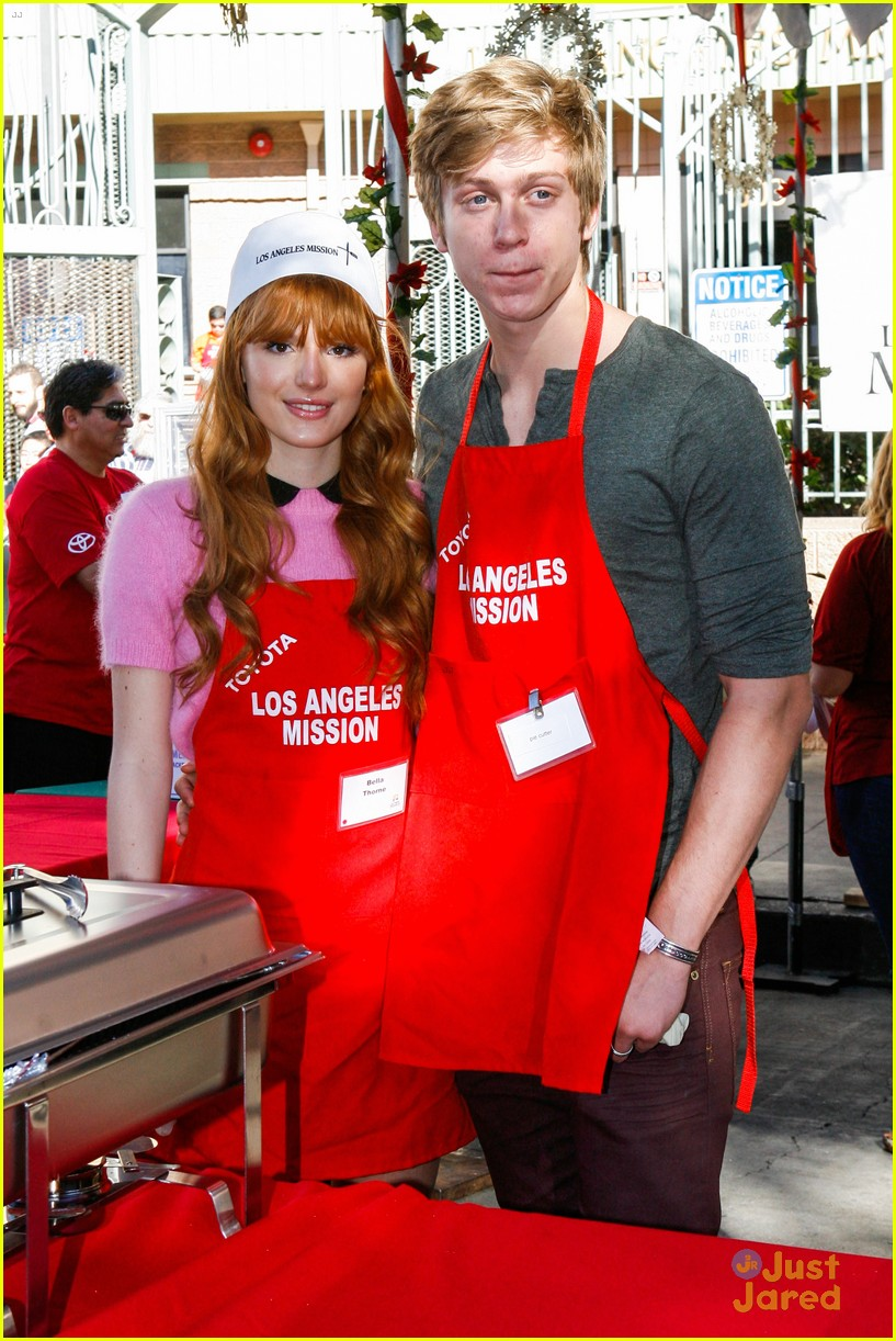 bella thorne tristan klier la mission eve dinner 06