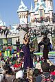 jason derulo jordin sparks baby its cold outside disney christmas parade watch 01