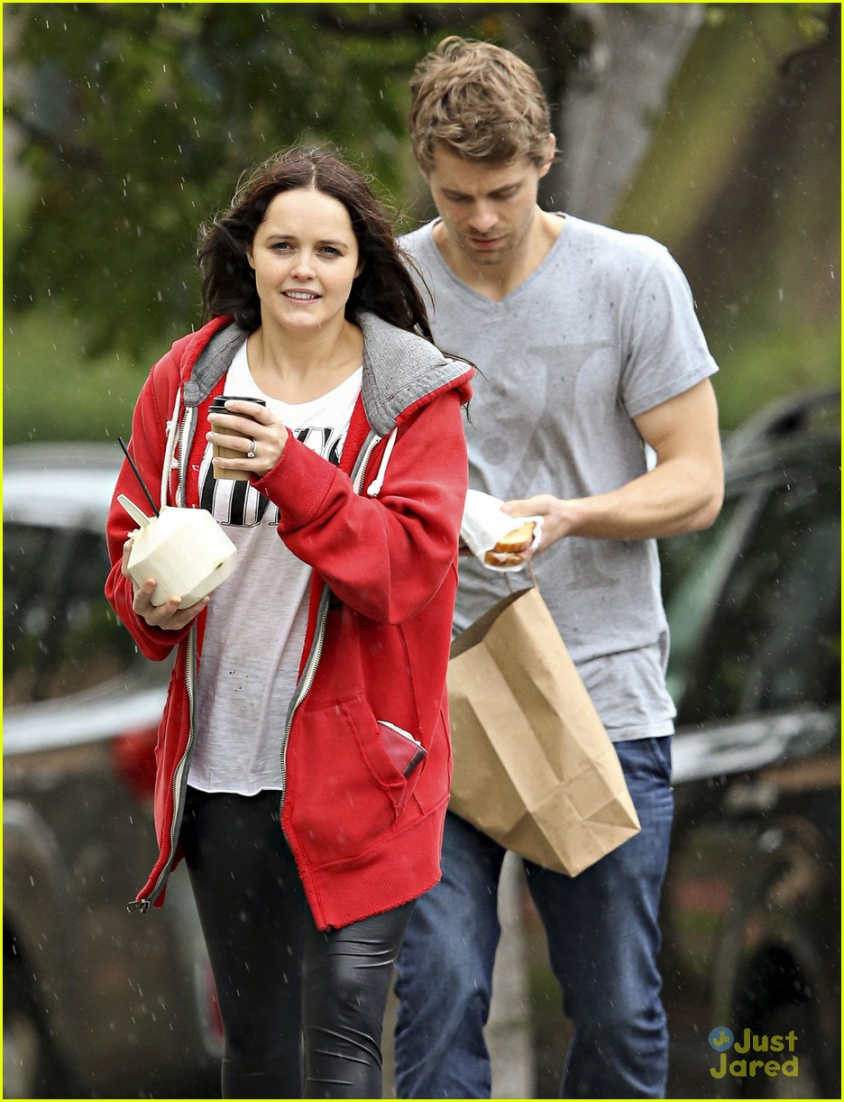 luke mitchell rebecca breeds smooches in sydney 14
