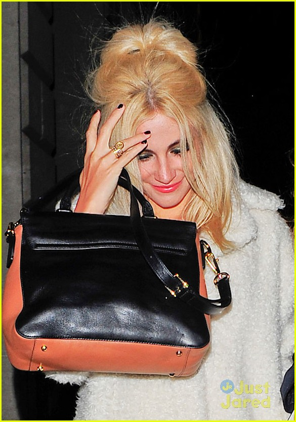 pixie lott girls night out in london 10