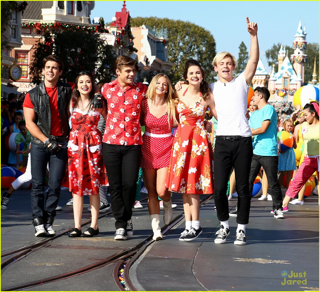 Ross Lynch Amp Maia Mitchell Teen Beach Movie Performance