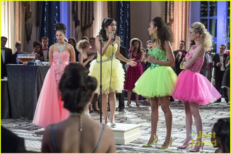 8bb81a2b52c The Carrie Diaries  Does Prom - Read the Recap!