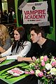 zoey deutch lucy fry vampire academy meet greet dominic sherwood 06