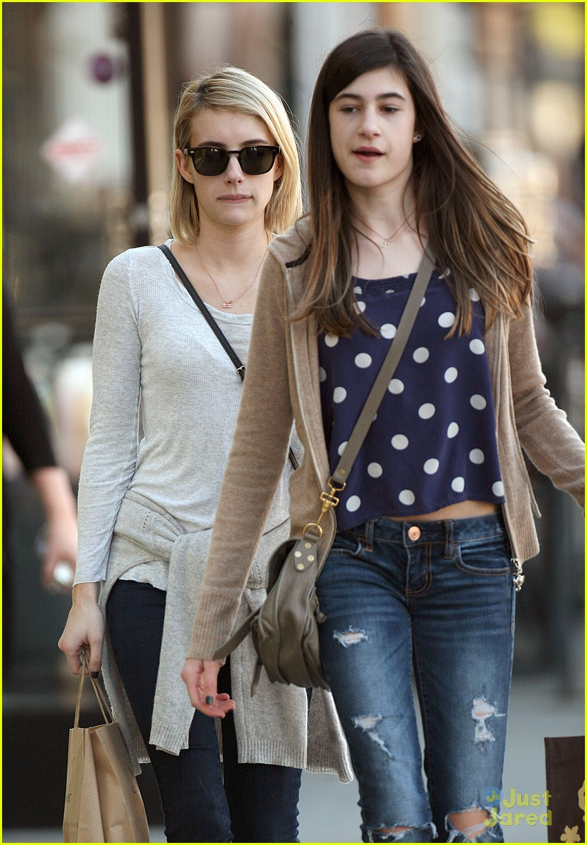 Emma Roberts Spends Time With Sister Grace Photo 644382 Emma Roberts Pictures Just Jared Jr