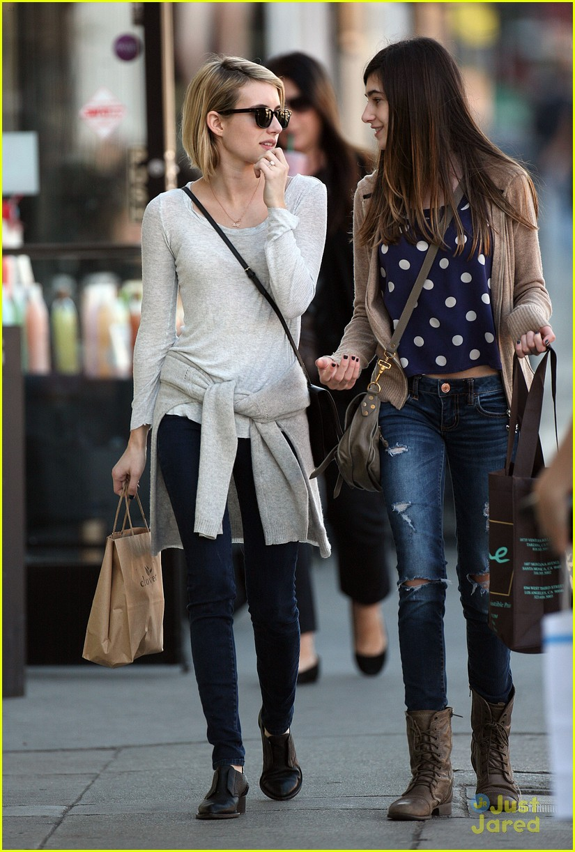 Emma Roberts Spends Time With Sister Grace Photo 644384 Emma Roberts Pictures Just Jared Jr