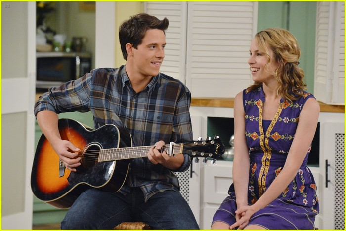 good luck charlie series finale premiere tonight 02