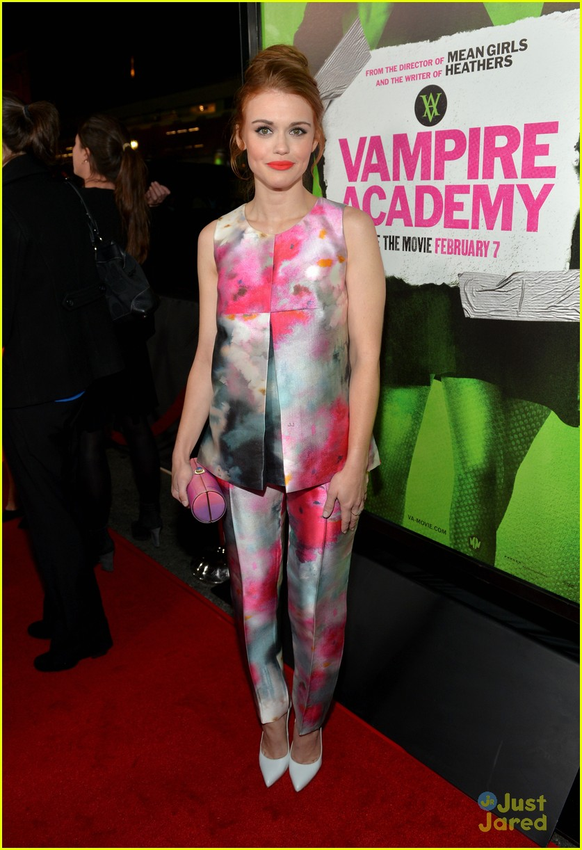 holland roden colors up the carpet at vampire academy premiere 01