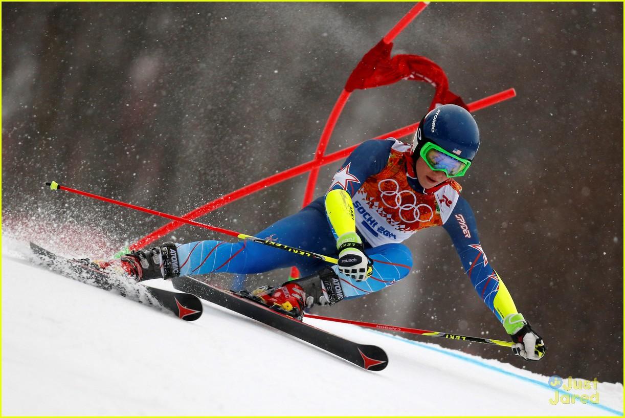 mikaela shiffrin gold slalom sochi 01