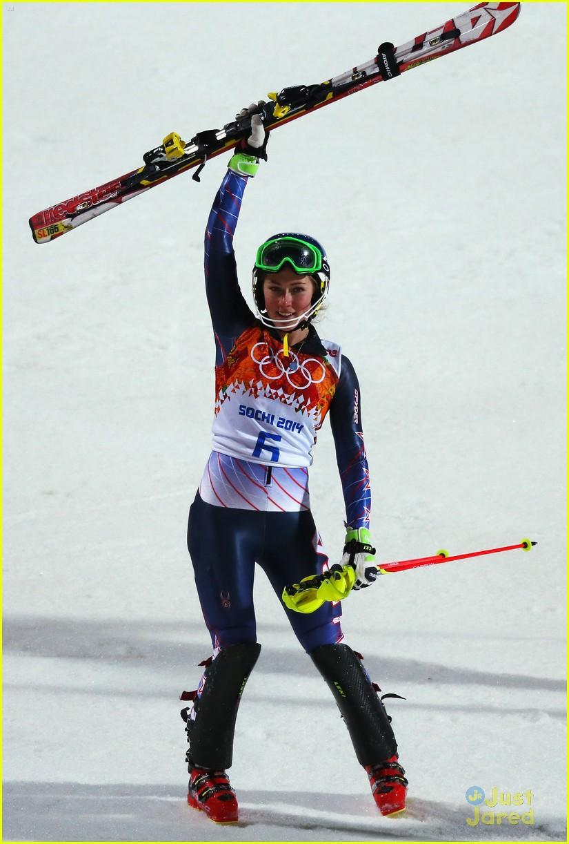 mikaela shiffrin gold slalom sochi 02