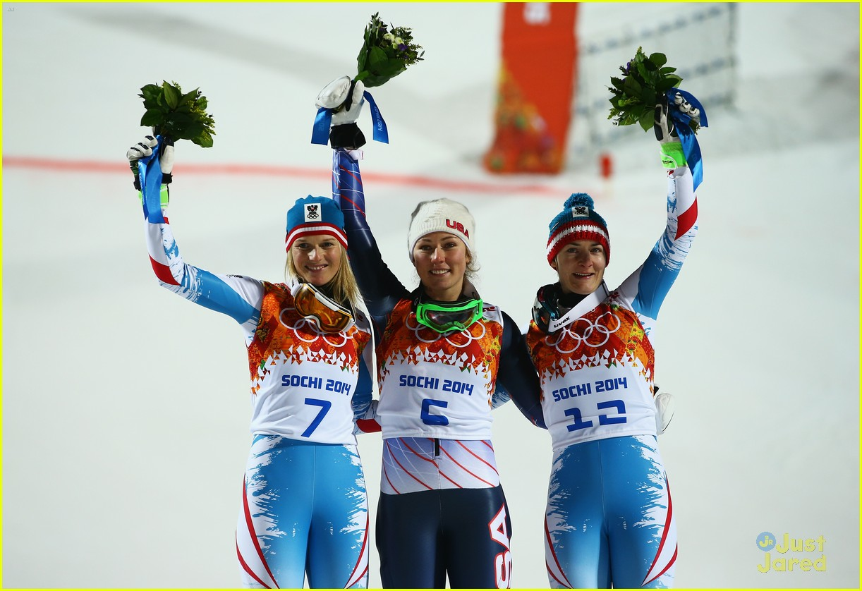 mikaela shiffrin gold slalom sochi 04