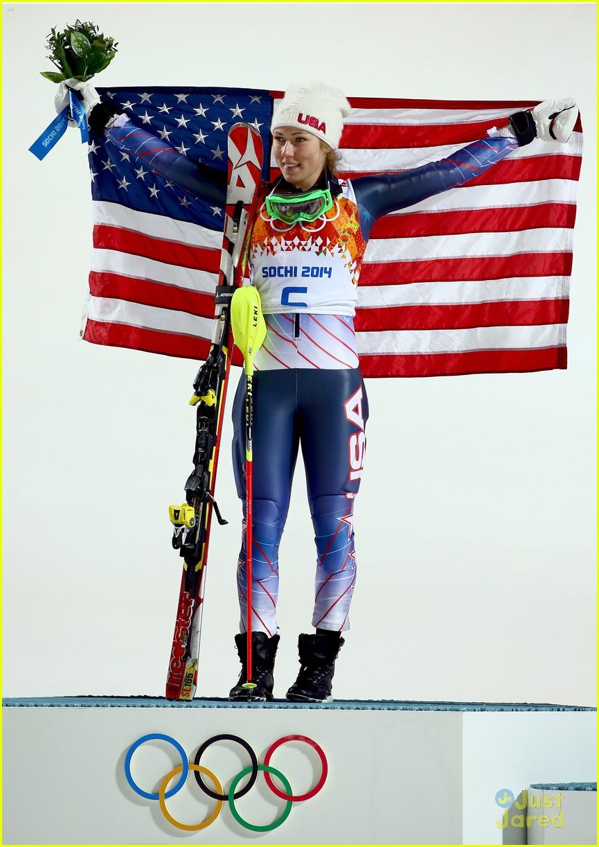 mikaela shiffrin gold slalom sochi 05