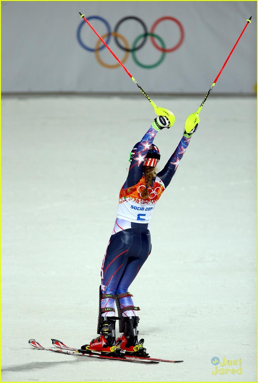 mikaela shiffrin gold slalom sochi 08