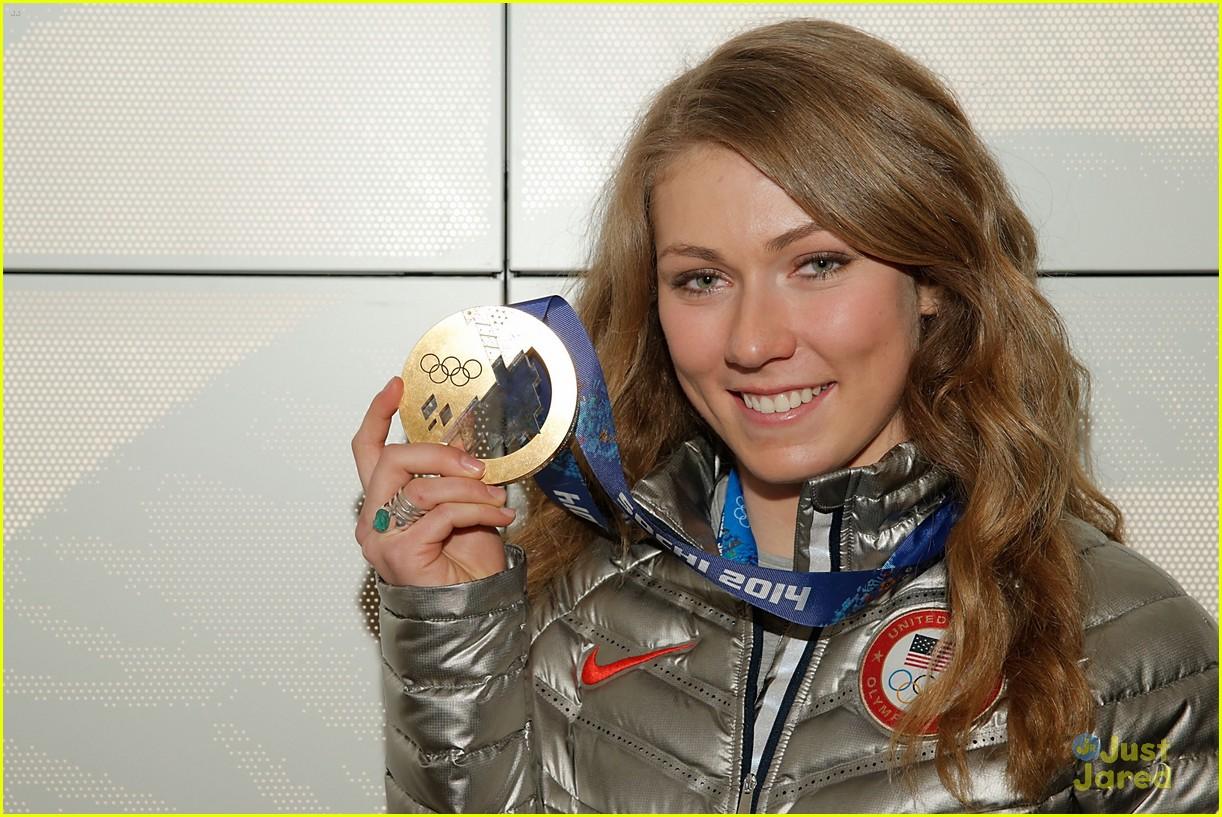 mikaela shiffrin gold slalom sochi 11